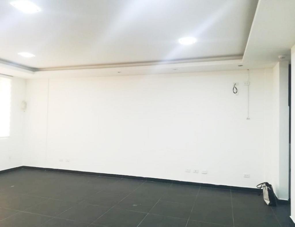 Quicentro, oficina, 55 m2, alquiler, 1 ambiente, 1 baño, 1 parqueadero