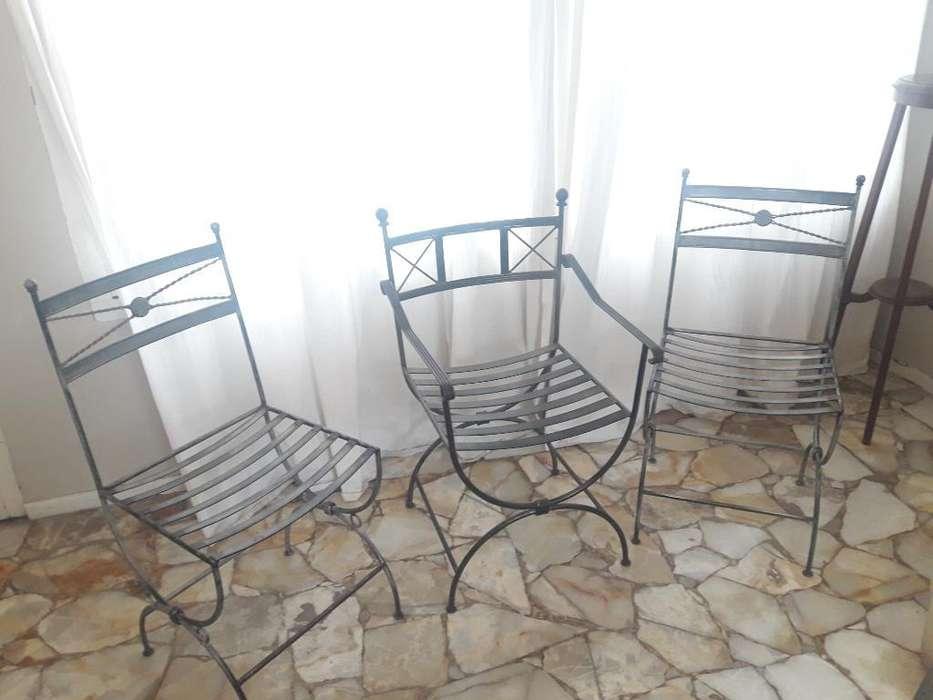 Tres <strong>silla</strong>s de Hierro Forjado