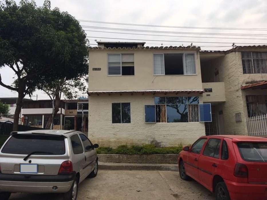 VENDO SAN CRISTOBAL PRIMER PISO(1) <strong>apartamento</strong>