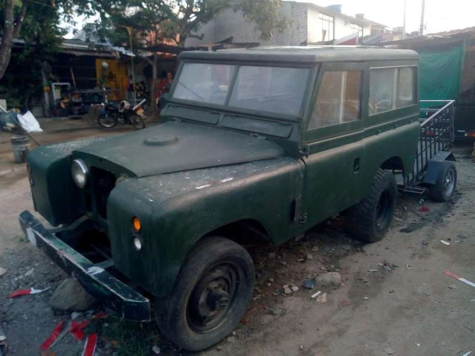 Land Rover Santana 1963 - 200000 km