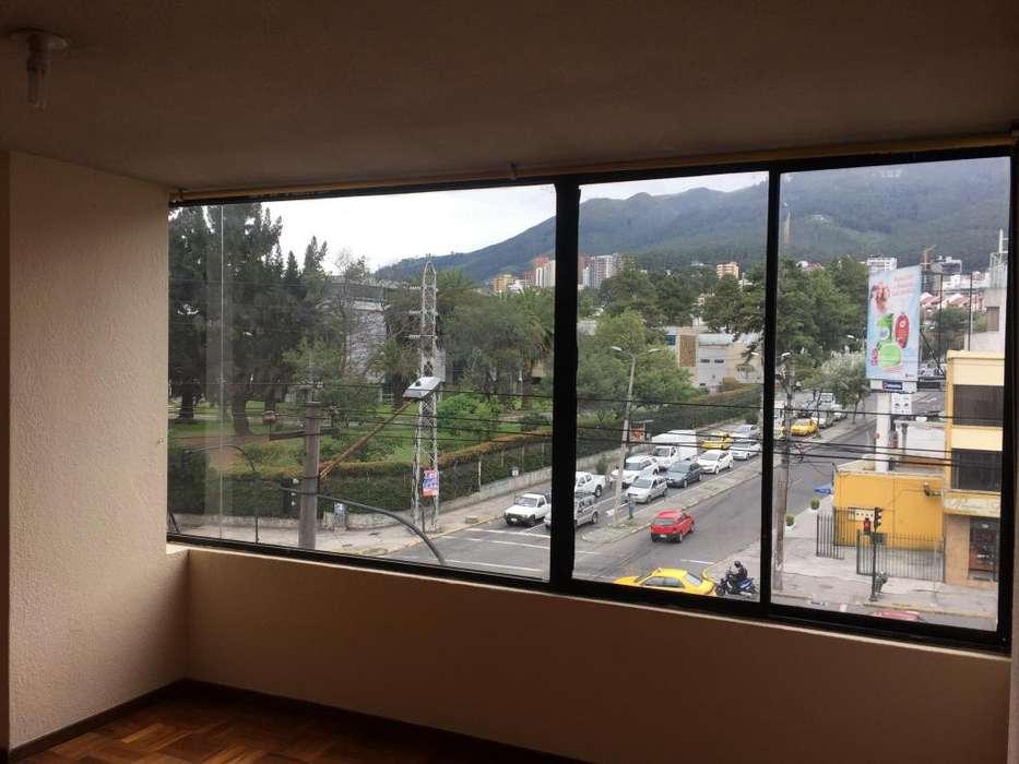 Arriendo Departamento 2 Dormitorios, Av. La Prensa y Edmundo Carvajal