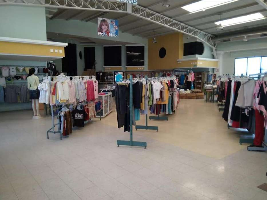 Centro de Guayaquil, CC Dorado, Piso 9 en venta.
