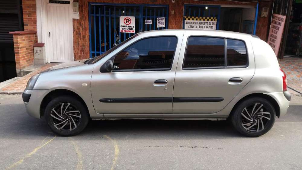 Renault Clio  2006 - 160000 km
