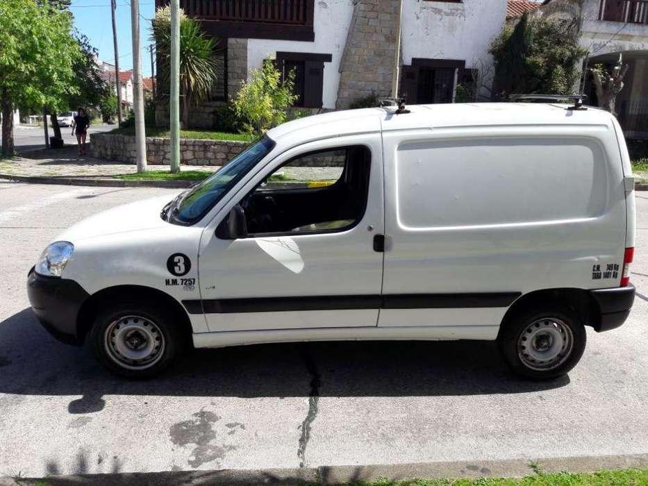 Peugeot Partner 2012 - 140000 km