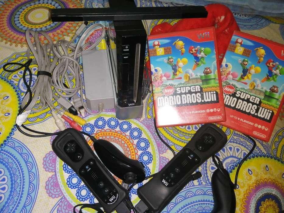 Nintendo Wii con Accesorios Originales