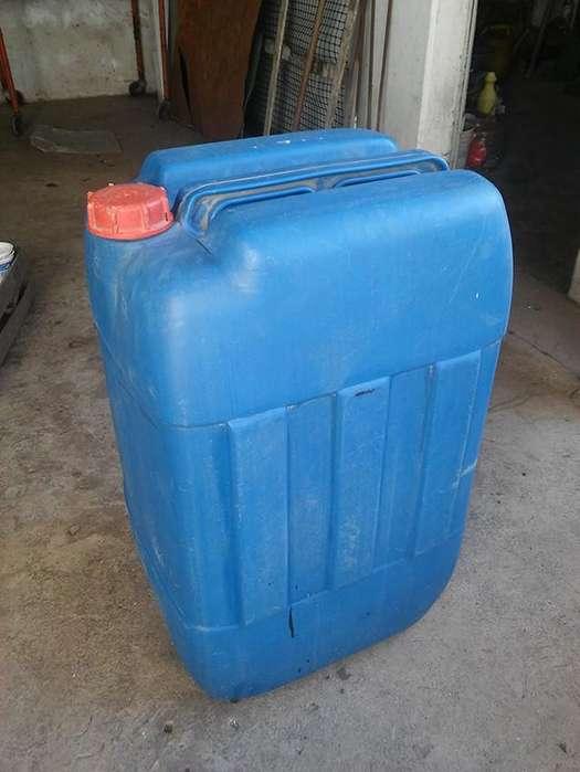 Bidon plastico capacidad aproximada 75 litros usado en buen estado.