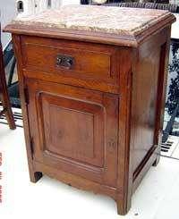 Mesa de luz en roble con mármol hay otras petit muebles francés provenzal luis XVI