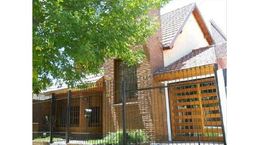 Pje B 2166 - UD 230.000 - Casa en Venta