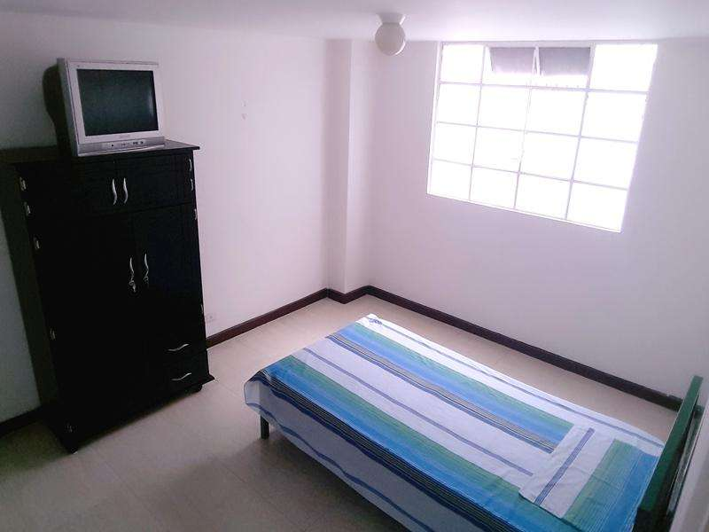 En Alquiler habitación para mujer en el Centro de Pereira