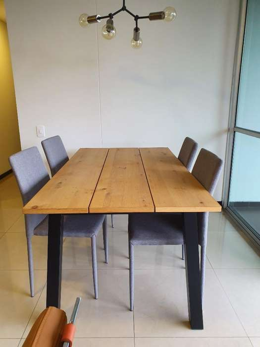 Mesa Comedor con 5 <strong>silla</strong>s de Tugo