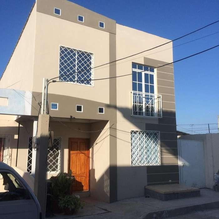 Alquilo departamento en Manta Urbanización privada sector María Auxiliadora