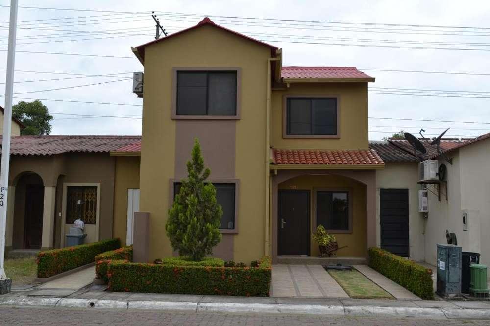 Vendo Bonita Casa en Villa Club 3 Dorm