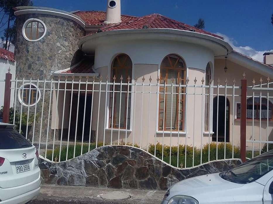 En Renta o Venta ....Hermosa Casa Ubicada en la Ciudadela de los Ingenieros en Ochoa León.