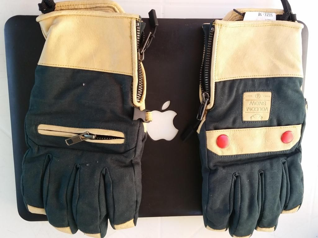 2016 Volcom Let It Storm Glove Gloves