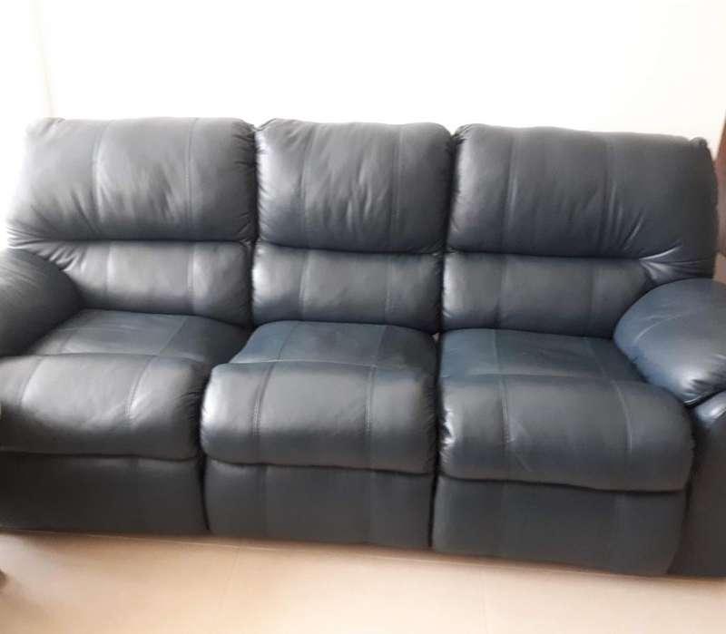 GANGA: Elegante, fino y cómodo sofá reclinable en cuero puro