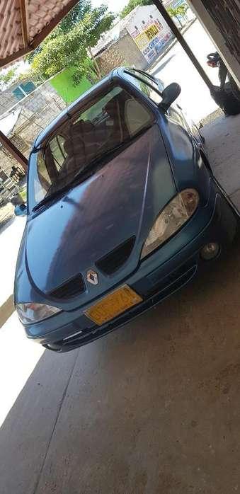 Renault Megane  2003 - 100 km