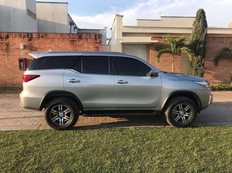 Toyota Fortuner 2018 - 7000 km