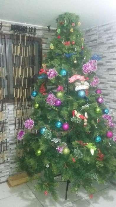 Arbol de Navidad Hermoso de 2 Mtr de Alt