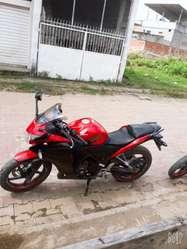 Se Vende Moto Honda Cbr 250 Y Susuki Gn