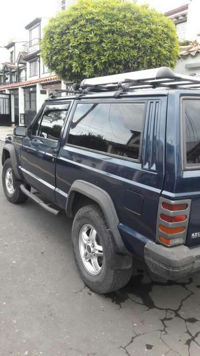 <strong>jeep</strong> Cherokee 1994 - 220000 km