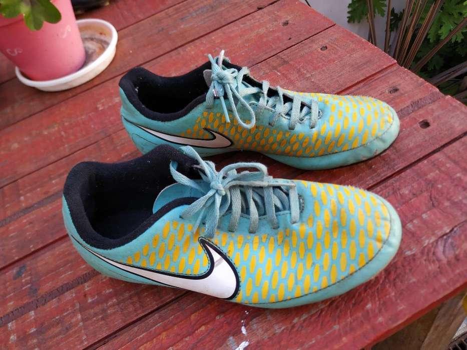 713a30efd Vendo  strong botines  strong  Nike