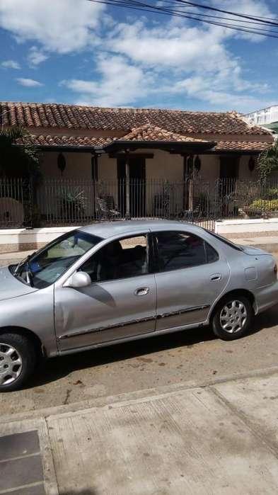 Hyundai Elantra 1999 - 450000 km