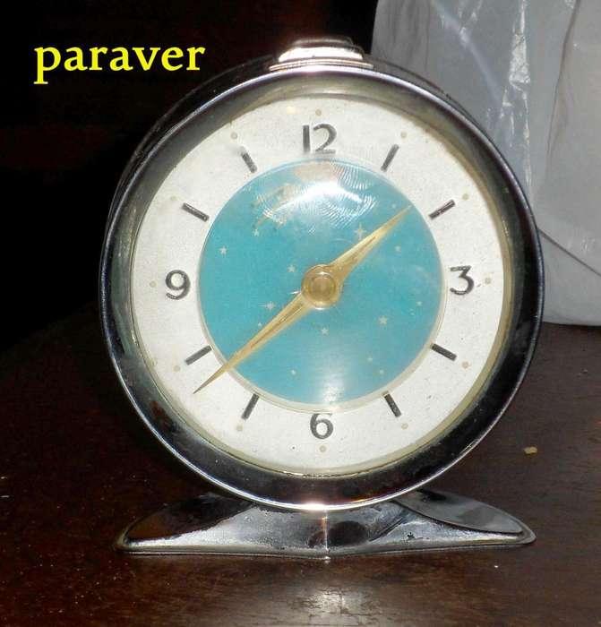Antiguo reloj sputnik ò cometa halley 1960 de la peli cranck de jason stantan bien retro vintage