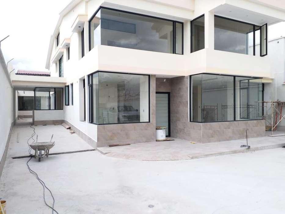 Arriendo oficina local casa comercial sector Rio Coca 6 de diciembre ideal para bancos embajadas