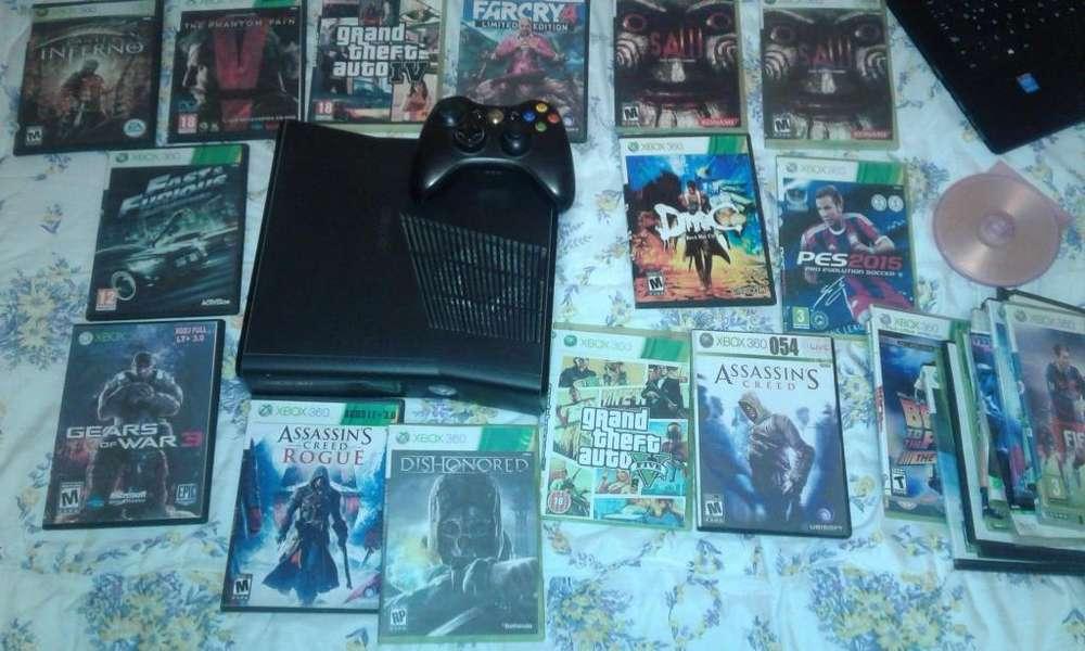 Vendo por motivo de viaje Xbox360 seminuevo