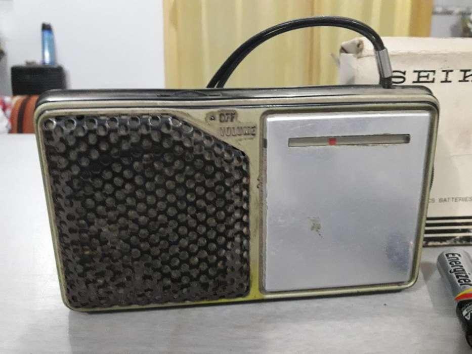 Antigua Radio Portatil Seiko