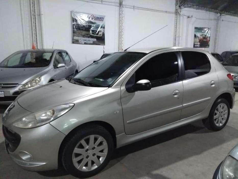 Peugeot 207 Compact 2010 - 135000 km