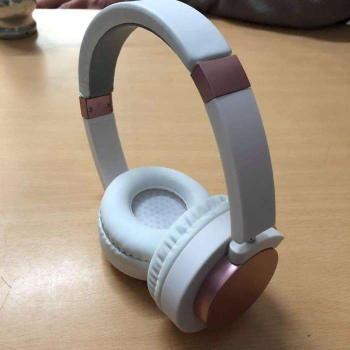 Auricular Vincha Bluetooth Estéreo Blaco Y Rosa, Caballito