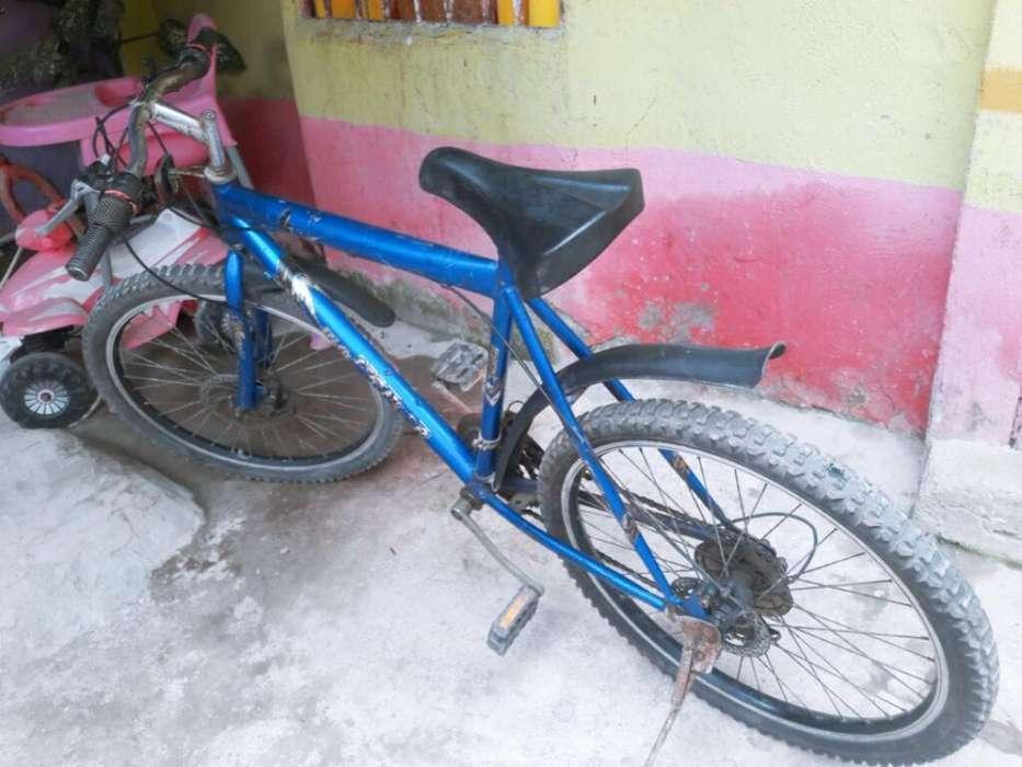 <strong>bicicleta</strong> Montañera Seminueva