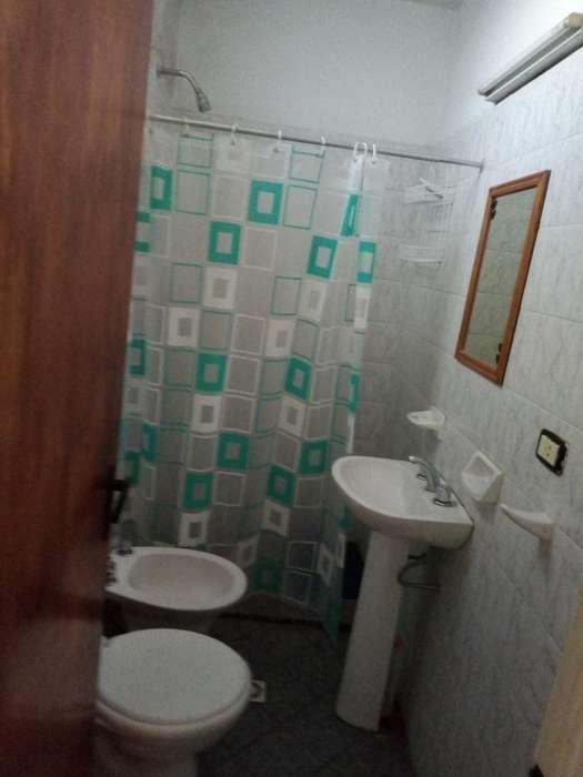 ALQ Dep en Caja Social. Piso 10mo. 4 dormit. 2 baños.