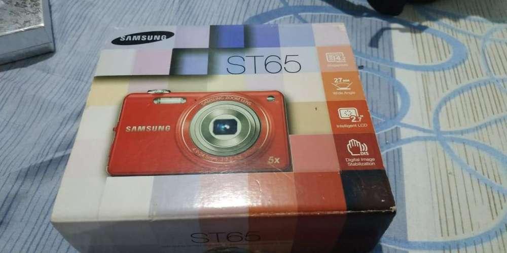 Cámara Samsung ST65