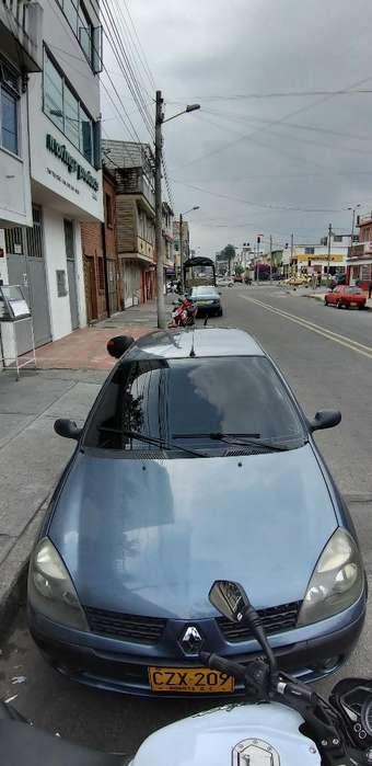 Renault Clio  2009 - 132000 km