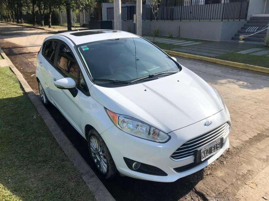 Ford Fiesta  2014 - 17929 km