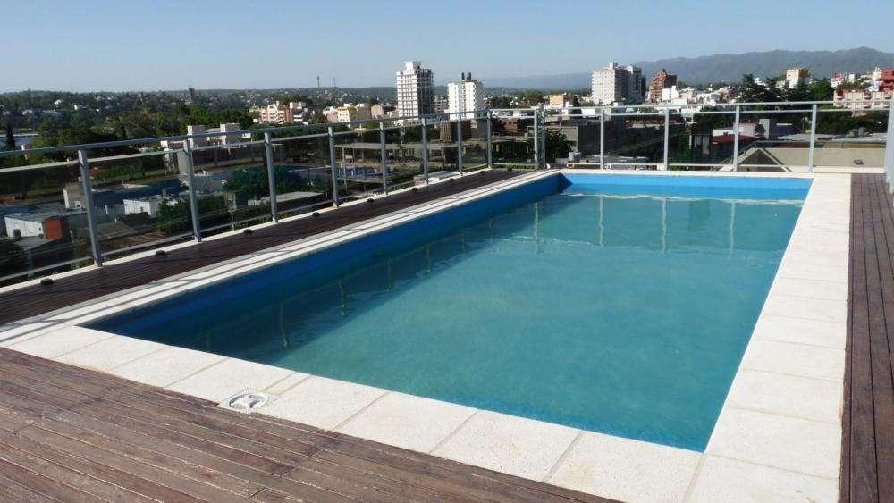 la16 - Departamento para 2 a 5 personas con pileta y cochera en Villa Carlos Paz