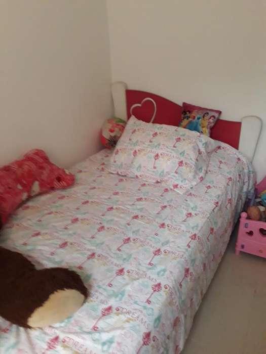 2 Juegos de <strong>cama</strong> para Niñas con Tocador