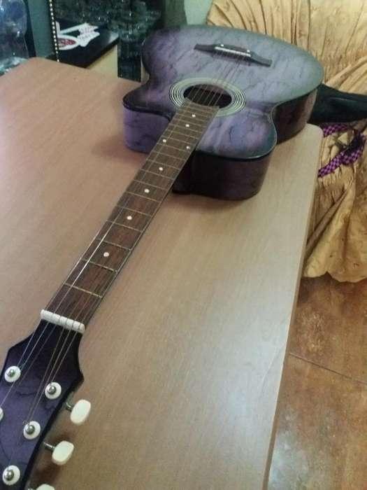 Guitarra Cordova con Accesorios