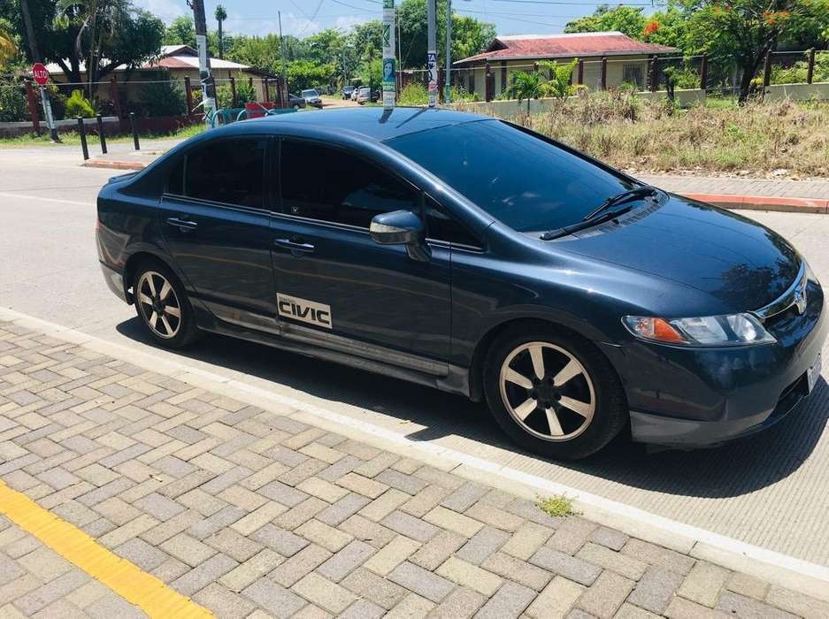 Honda Civic 2008 - 104000 km