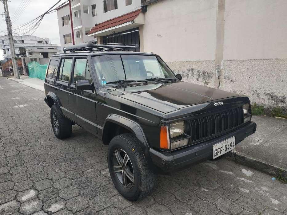 JEEP Cherokee 1989 - 200000 km