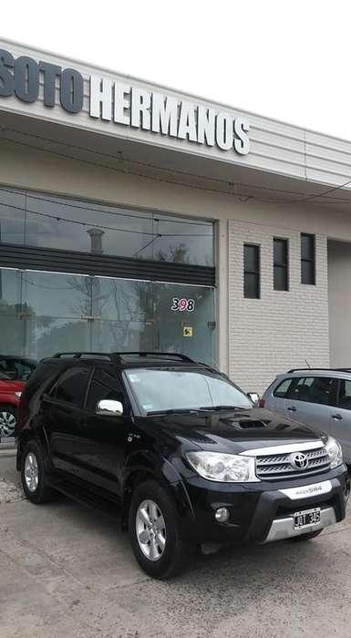 Toyota Hilux SW4 2011 - 137000 km