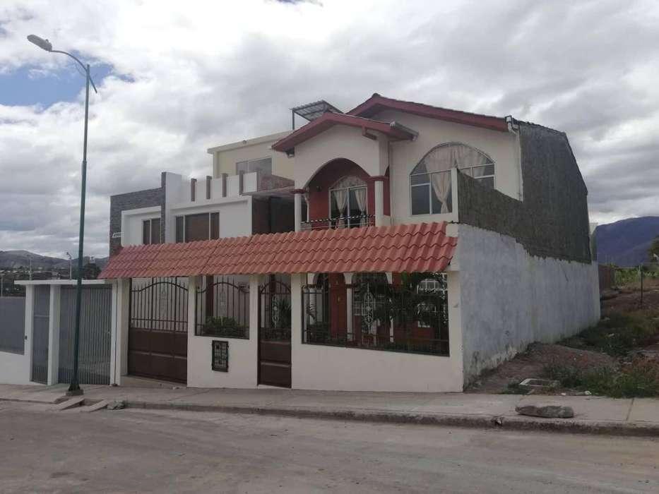 Venta de casa con Departamentos Independientes en Catamayo