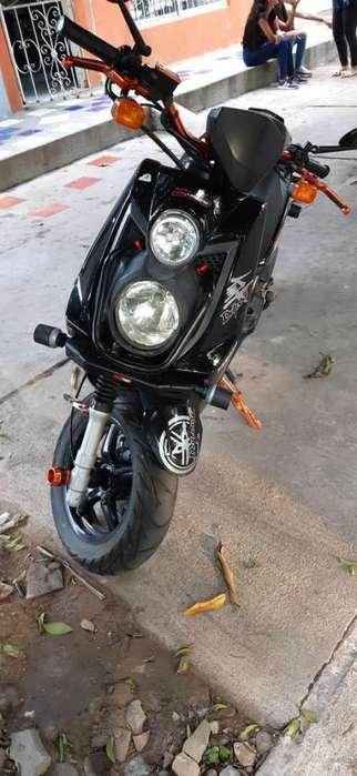 Vendo Moto Bwis 2013