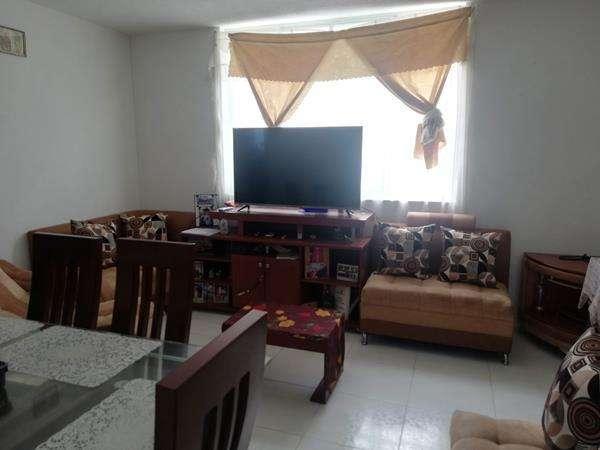 ECUASOLUCIONES, vende casa comercial esquinera en Ibarra