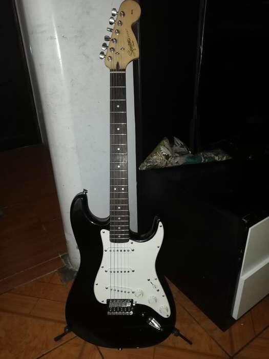 <strong>guitarra</strong> Eléctrica Fender Squier