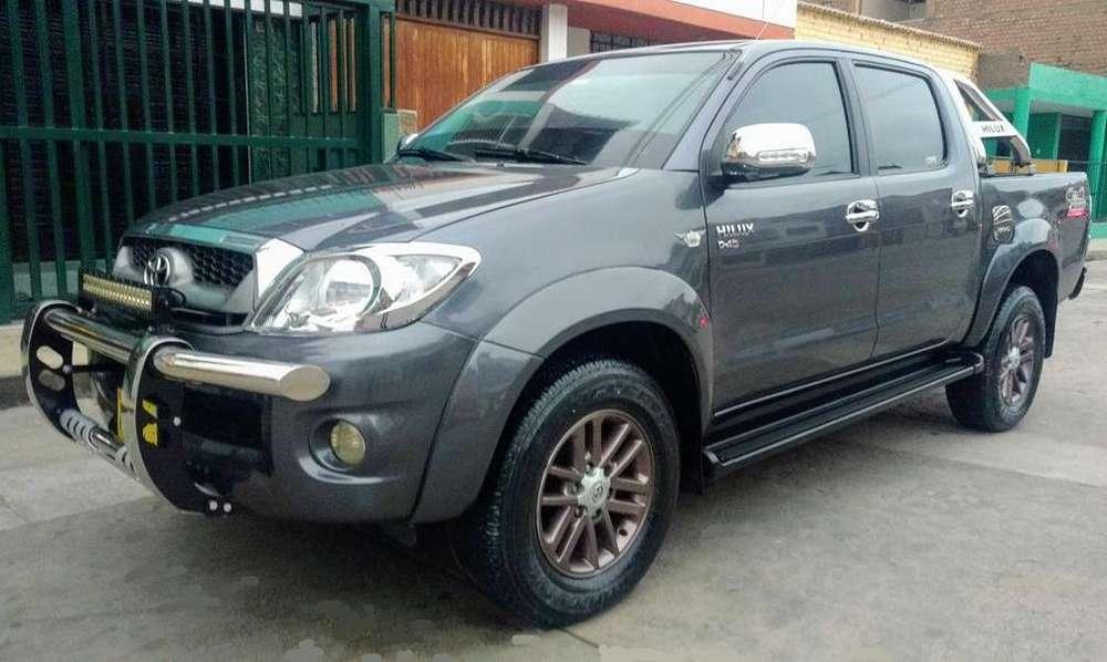 Toyota Hilux 2011 - 77000 km