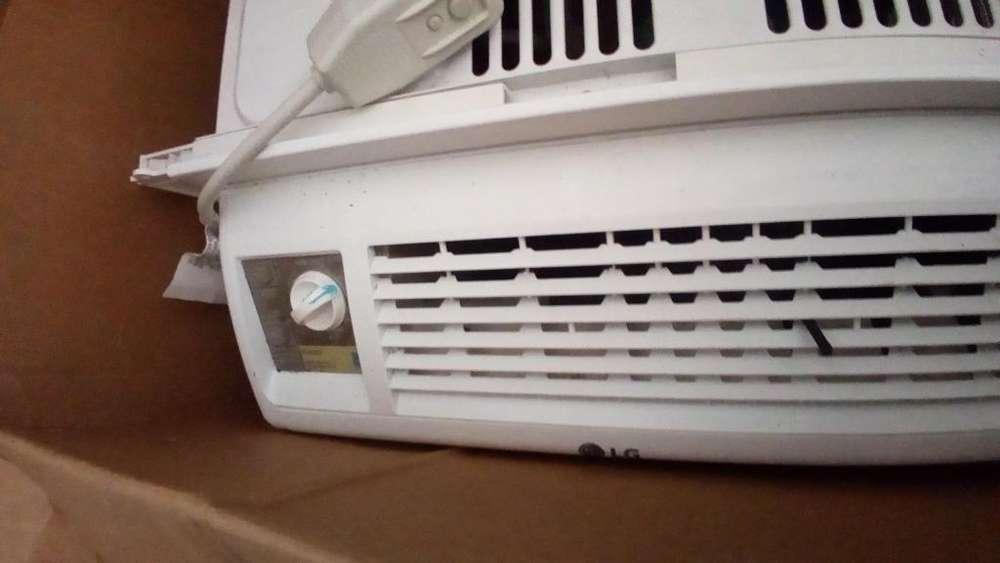Se vende de segunda aire acondicionado.