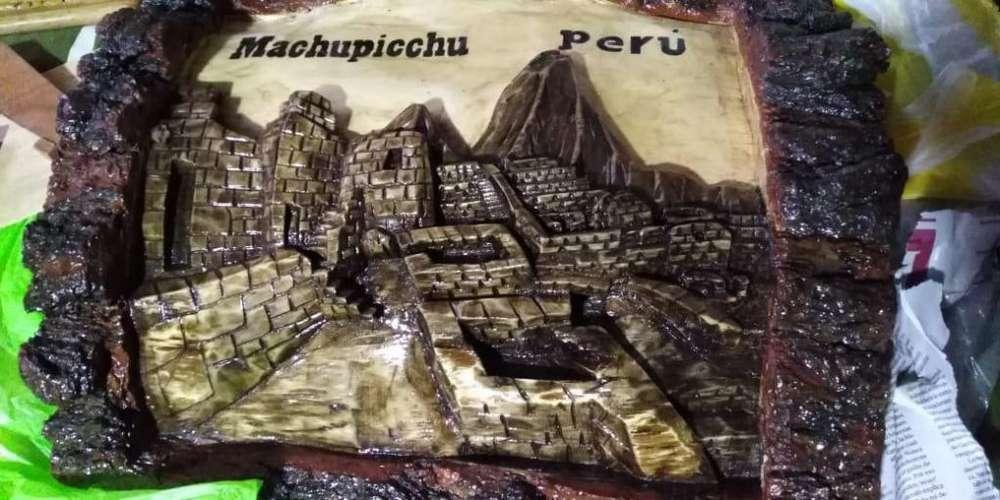 Artesania de Machu Picchu en madera